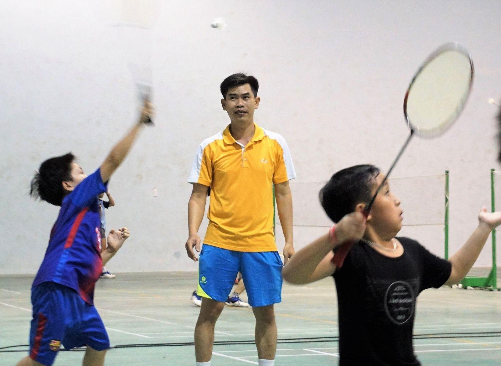 Những lưu ý khi chọn vợt cầu lông cho trẻ em?